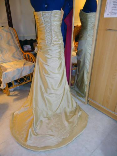 Dressmaking, Clothes Alterations, Restyling and Repairs.